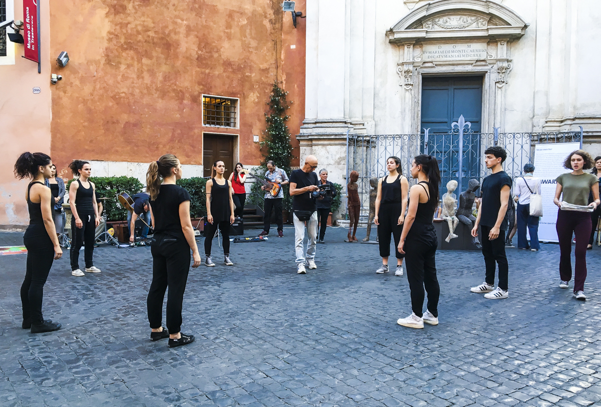 Be aware of SEX TRAFFICKING | Street Performance Roma